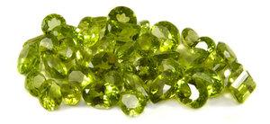Камень хризолит - свойства камня и магия