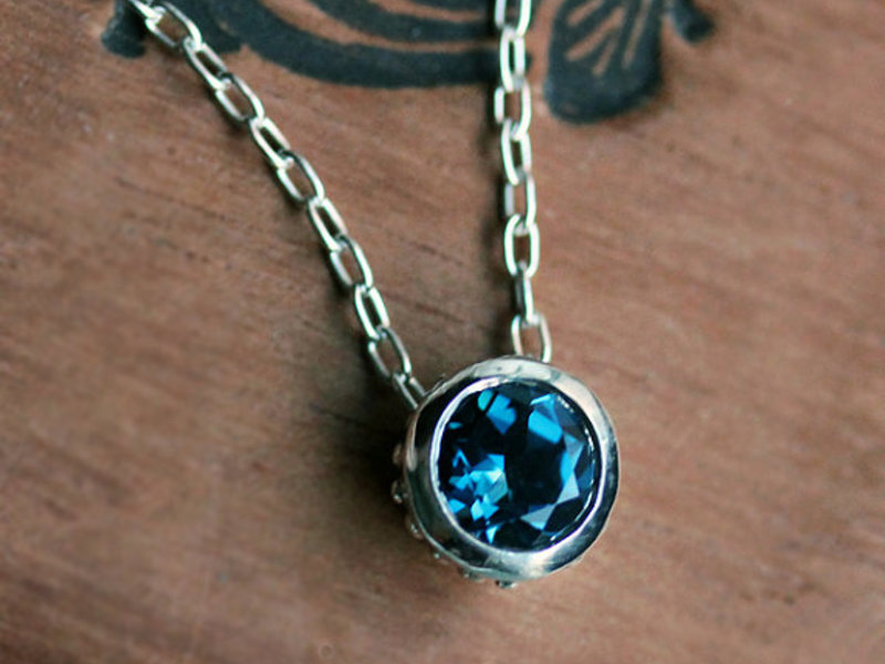 Ожерелье London blue topaz