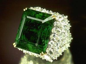 камни зеленые камни фото
