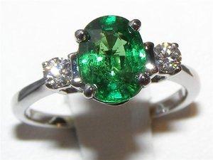 Напівкоштовні камені зелених кольорів в ювелірній справі b5b038530bd3c