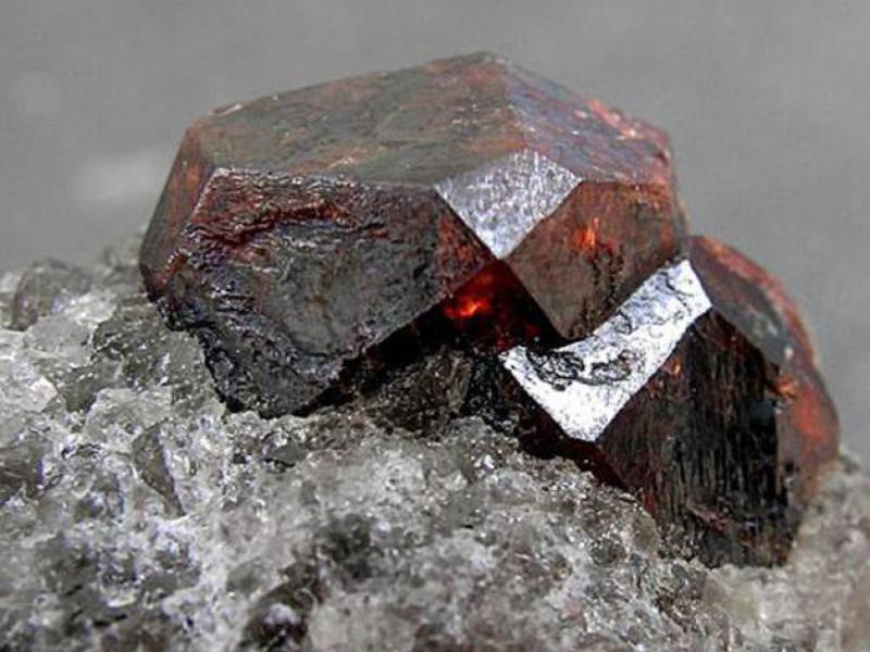 Карбункул камень фото