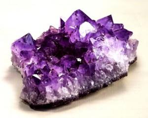под знаком рак какие камни подходят
