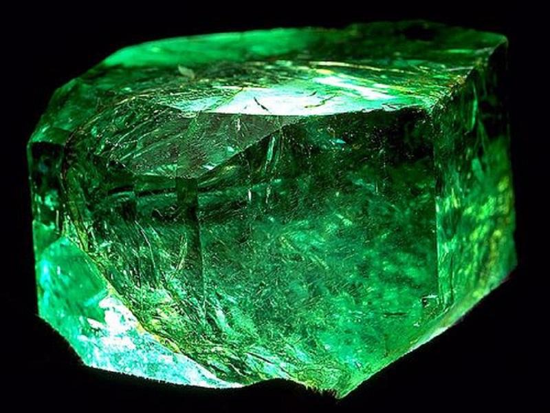Камень изумруд  цена